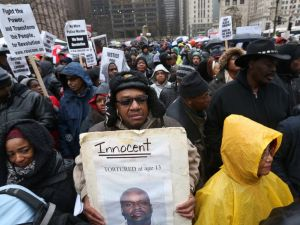 GTY_chicago_protests_1_jt_151127_4x3_992